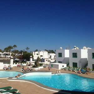 Puerto Del Carmen Apartment Sleeps 4 With Pool And Wifi photos Exterior