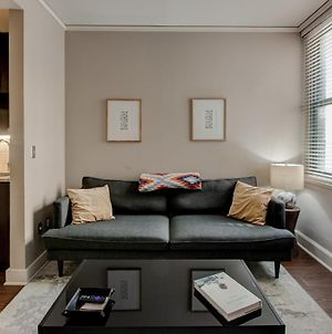 Comfy Dt 1Br With Gym & Pool By Zencity photos Exterior