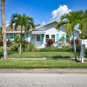 Clearwater Beach Bliss - Weekly Beach Rental Home photos Exterior