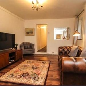 Lovely Victoria Conversion Flat With A Garden In Brentwood photos Exterior