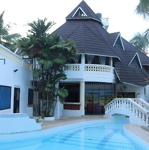 Room In Guest Room - A Wonderful Beach Property In Diani Beach Kenyaa Dream Holiday Place photos Exterior