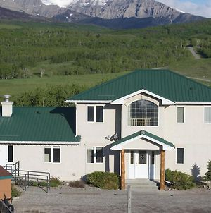 Waterton Country Villas - Whole House! Sleeps 32!! photos Exterior