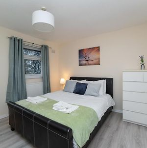 Modern 4 Bedroom House - Free Parking And Netflix By Wha For Contractors, Relocation, Business Travelers photos Exterior