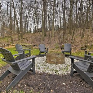 Wooded Escape With Hot Tub, 2 Mi To 4-Season Resort photos Exterior