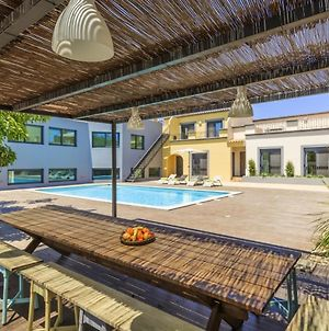 Villa With 2 Bedrooms In Quelfes With Wonderful Sea View Shared Pool Enclosed Garden 3 Km From The Beach photos Exterior