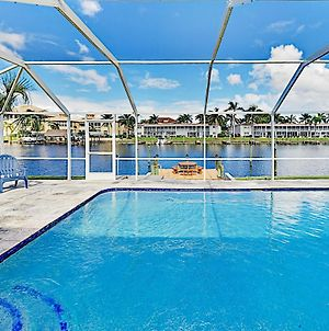 Canal-Front Escape - Private Pool & Dock Home photos Exterior