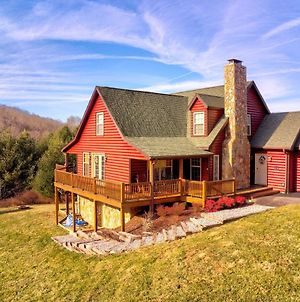 Large Mountain-View Manor With Easy River Access photos Exterior