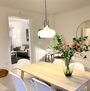 Awesome Three-Bedroom Apartment Near Nyhavn photos Exterior