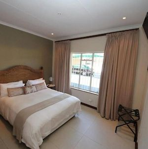 Room In Apartment - Beautiful Suite Room In Bb - Close To Johannesburg photos Exterior