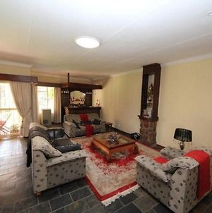 Large Self Catering Apartment For 4 People - The Munday photos Exterior