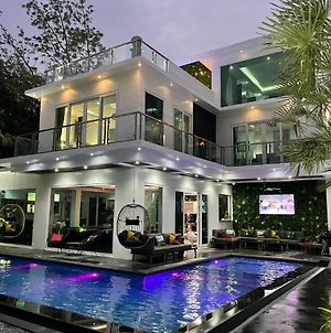 Premium Pool Villa Pattaya photos Exterior