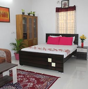Friendlystay - Home Stay In Porur, Airport Pick Up, Breakfast, Longstay photos Exterior
