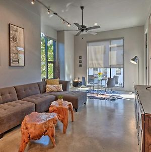 Lively Urban Escape With Private Patio In Sola! photos Exterior