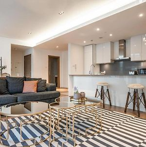 Guestready - Luxurious Vast & Airy Apartment In City Walk photos Exterior