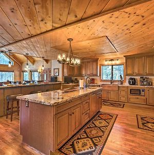 4,500-Square-Foot Pinedale Cabin On 17 Acres! photos Exterior