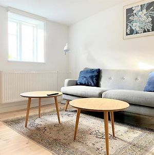 Spacious 1-Bedroom Apartment In Christianshavn photos Exterior