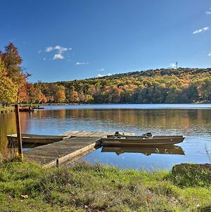 Pet-Friendly Pocono Paradise With Lake Access! photos Exterior