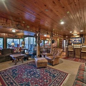Spacious Waterfront Retreat With Dock And Hot Tub photos Exterior