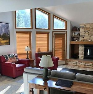 Spacious Creekside 3 Bedroom East Vail Townhome #D5 photos Exterior