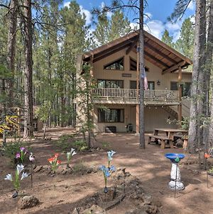 Pinetop Cabin With Deck, Fire Pit, Game Room And Views photos Exterior
