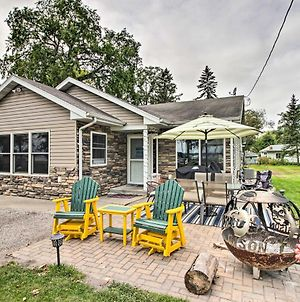 Lakeside Cottage Walk To Water, Dining And Marina! photos Exterior