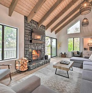 Luxe Lake Arrowhead Home With Spa, Game Room, Theater photos Exterior