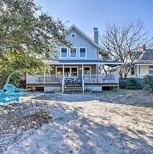 Classic Chesapeake Beachside Cottage With Porch photos Exterior