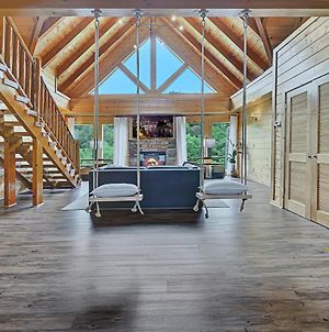 Newly Furnished Cabin W Hot Tub Games And 5430 Sq Ft Of Ultimate Family Fun Pets Welcome photos Exterior