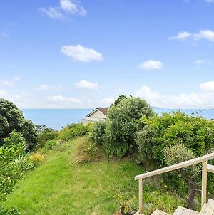 Ridge Top Views - Paekakariki Holiday Home photos Exterior