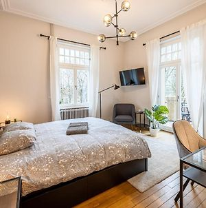 Immaculate Stylish Modern 1 Bedroom Private Room With Balcony photos Exterior