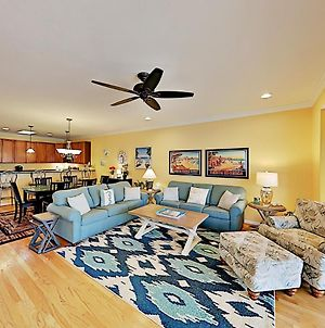 All-Suite Escape - Pool, Tennis, Fishing & Boating Townhouse photos Exterior