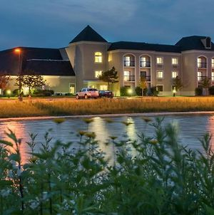 Doubletree By Hilton Chicago Wood Dale - Elk Grove photos Exterior