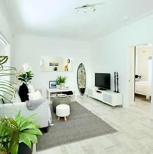 Beautifully Renovated Quiet Unit In Cronulla photos Exterior