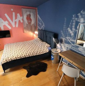 Ava Apartment,Speed Wi Fi,Netflix,Between Bus And Train Station photos Exterior
