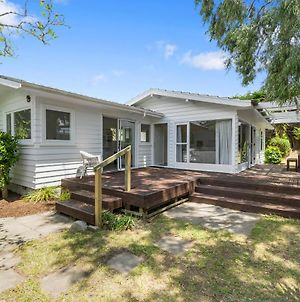 Blue Gate Cottage - Waikanae Beach Holiday Home photos Exterior
