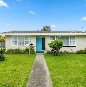 Blue Door Cottage - Raumati Beach Holiday Home photos Exterior