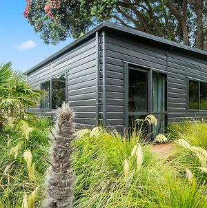 Pohutukawa Hideaway - Raumati Beach Holiday Unit photos Exterior