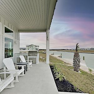 Waterfront Luxury - Private Dock & Outdoor Kitchen Home photos Exterior