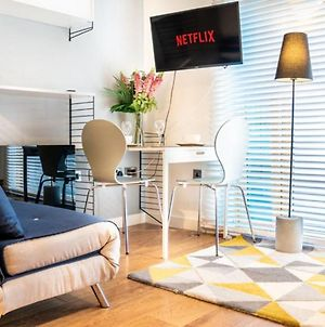 Luxury Studio At Sheffield - A Home Away From Home photos Exterior