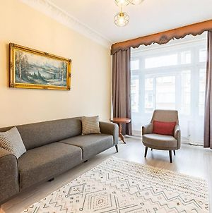 Charming Apartment Surrounded By Vibrant Attractions In Kadikoy photos Exterior