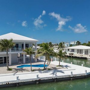 Swept Away 3Bed 2Bath Brand New Construction With Open Water Views Private Pool And Dockage photos Exterior