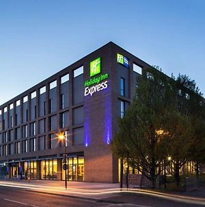 Holiday Inn Express London - Excel, An Ihg Hotel photos Exterior