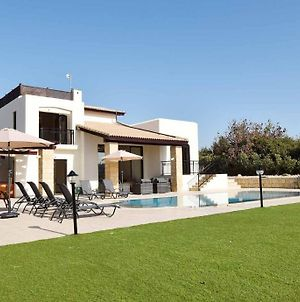 Fantastic Golf View Villa Inia 26 On Aphrodite Hills Resort, Within Walking Distance To Resort Centre photos Exterior