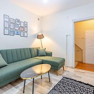 Cozy And Chic Apartment Near Colorful Attractions In Beyoglu photos Exterior