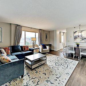 Corner Unit With Pool & Superb River Views Condo photos Exterior