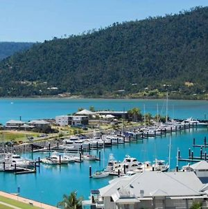 The View, Island&Marina Views, Wifi, Pool, Spa, Central Airlie photos Exterior
