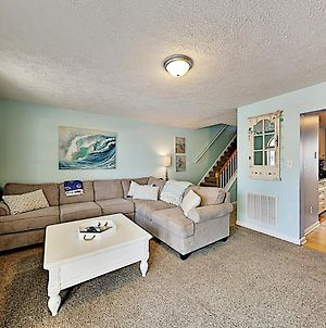 Second-Row Haven With 2 Units - 100 Yards To Beach! Duplex photos Exterior