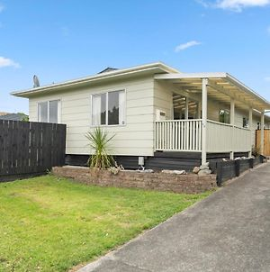 Waikanae Rest - Waikanae Beach Holiday Home photos Exterior