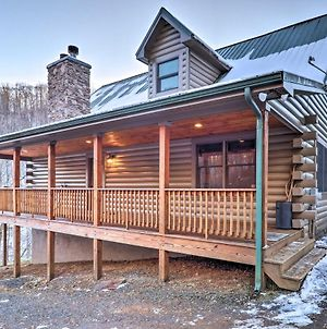 Spacious Newland Cabin With Pool Table And Grill! photos Exterior