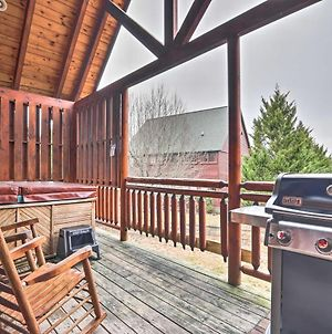 Pigeon Forge Cabin With Games, 1 Mi To Parkway! photos Exterior